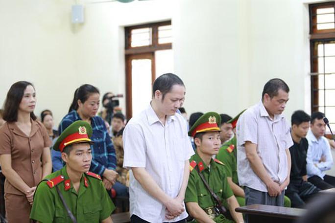 Vụ gian lận điểm thi ở Hà Giang: 5 bản án còn nhiều khúc mắc - Ảnh 1.