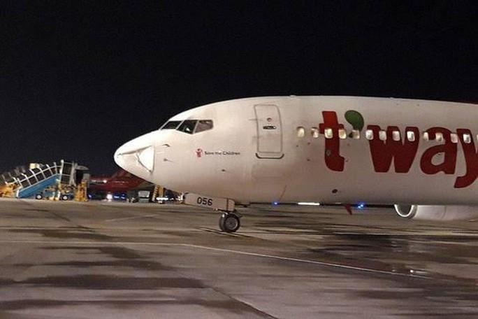 Máy bay từ TP HCM đi Phú Quốc bị móp mũi che radar, Bộ GTVT báo cáo Phó Thủ tướng - Ảnh 1.