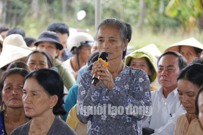 Nín thở cuộc thoại với người dân ngăn cản xe vào bãi rác ở Quảng Nam - Ảnh 2.