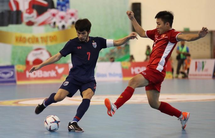 Futsal Việt Nam tiếp tục bị Thái Lan lấn lướt - Ảnh 3.