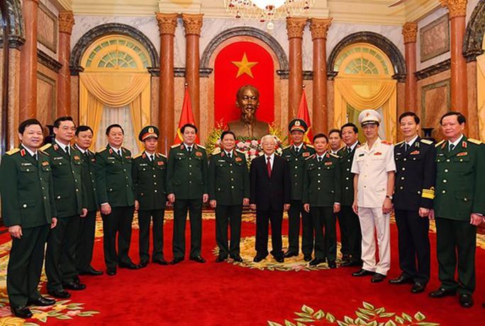 Tổng Bí thư, Chủ tịch nước trao Quyết định thăng quân hàm cho 2 tướng lĩnh quân đội - Ảnh 2.
