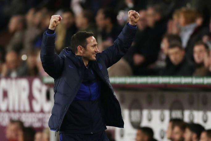 Sao 60 triệu bảng lập hat-trick, Chelsea mơ tranh ngôi vô địch - Ảnh 6.