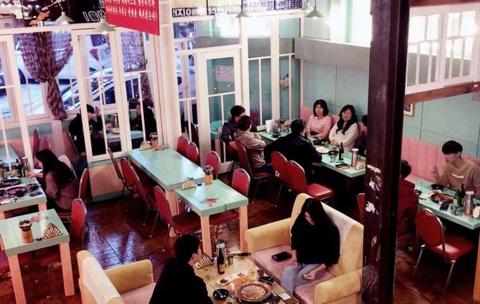 Quán rượu đầu tiên mang chủ đề Triều Tiên giữa lòng Seoul - Ảnh 6.