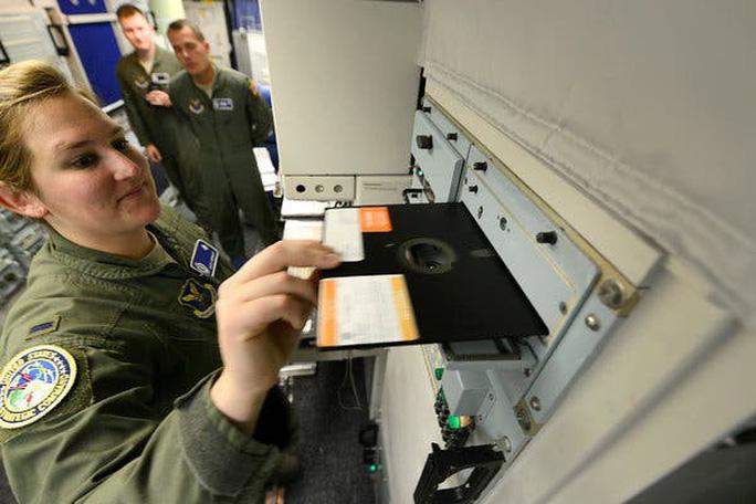 Vũ khí hạt nhân của Mỹ được vận hành mà không cần đĩa mềm - Ảnh 1.