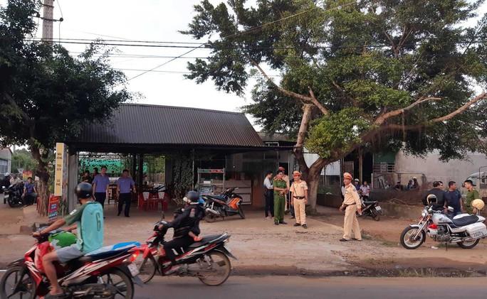 Đắk Lắk: Bắt được nghi phạm bắn người trong quán cà phê - Ảnh 1.