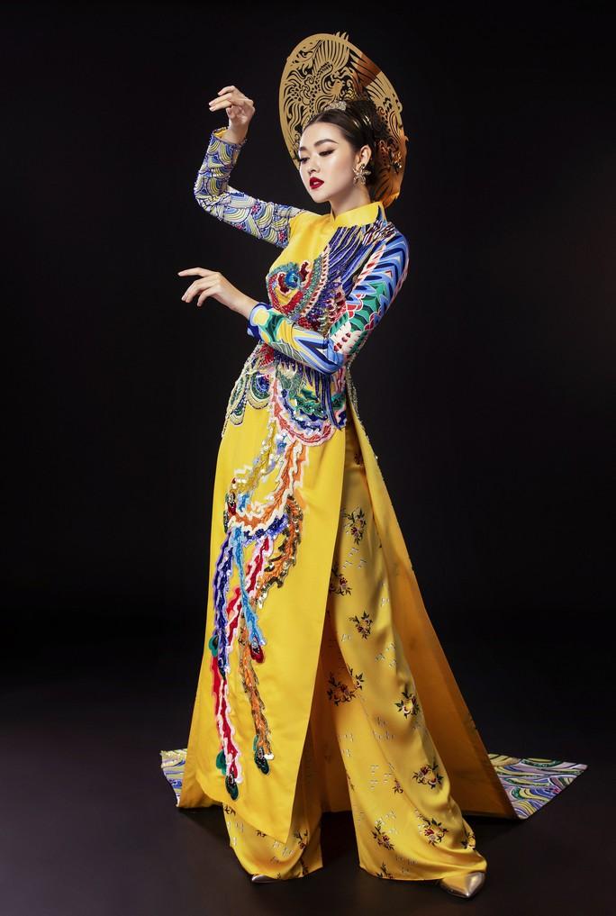 Á hậu Tường San nhờ khán giả chọn quốc phục dự thi Hoa hậu Quốc tế 2019 - Ảnh 4.