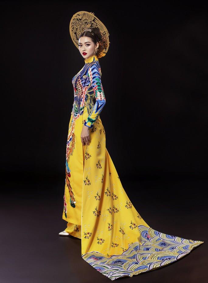 Á hậu Tường San nhờ khán giả chọn quốc phục dự thi Hoa hậu Quốc tế 2019 - Ảnh 2.