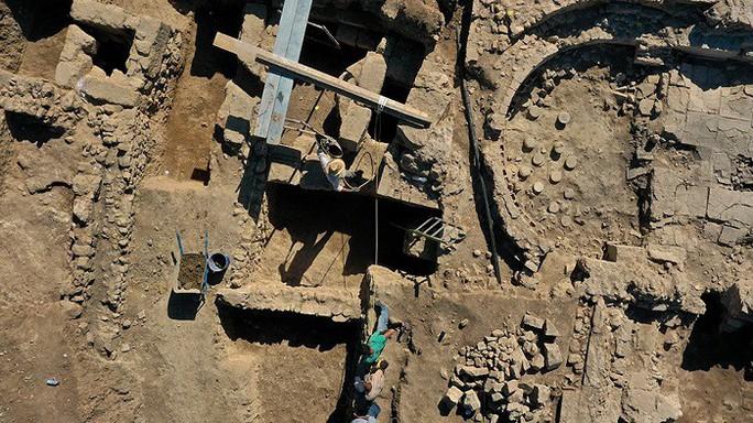 Phát hiện chốn ăn chơi khó tin trong thành phố mất tích 2.000 năm - Ảnh 1.