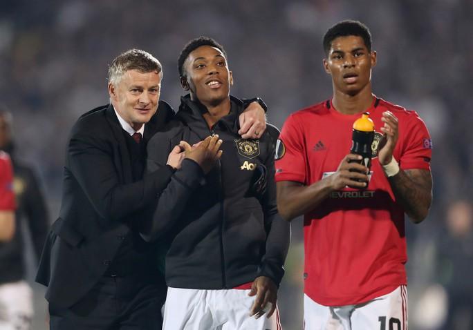 Hỏng 2 quả phạt đền, Man United vẫn thắng Norwich, tăng 7 hạng - Ảnh 9.