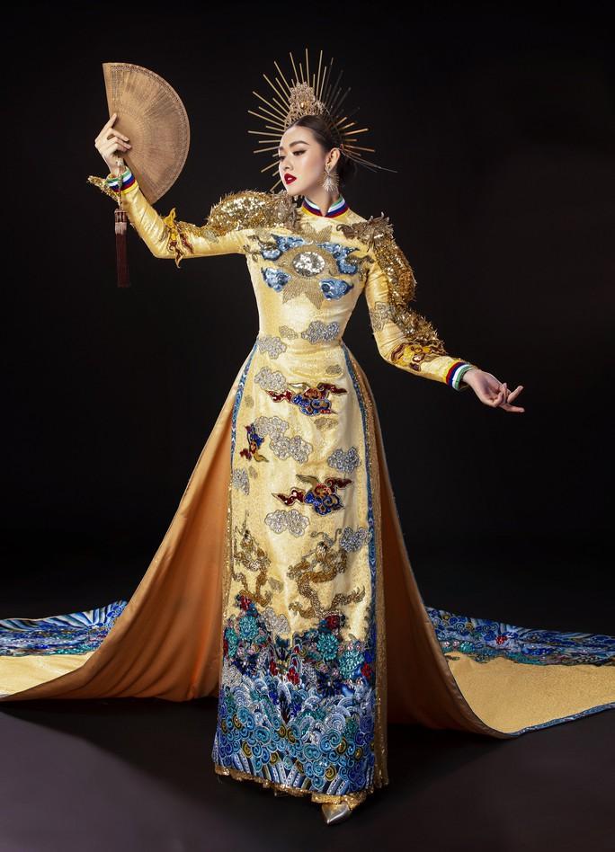 Á hậu Tường San nhờ khán giả chọn quốc phục dự thi Hoa hậu Quốc tế 2019 - Ảnh 3.