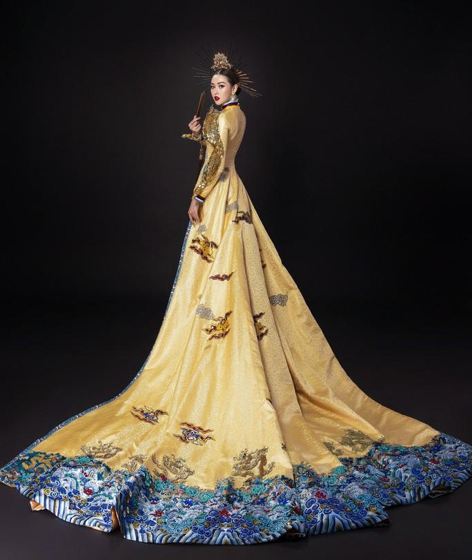 Á hậu Tường San nhờ khán giả chọn quốc phục dự thi Hoa hậu Quốc tế 2019 - Ảnh 1.
