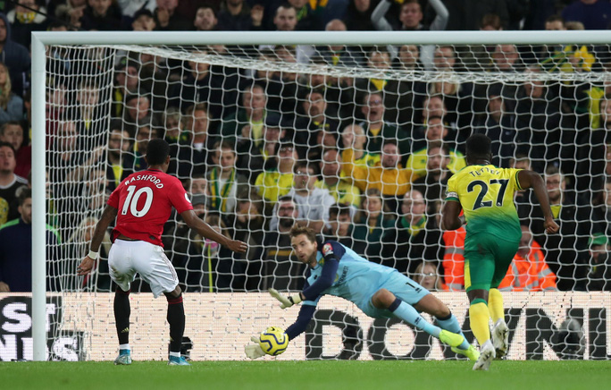Hỏng 2 quả phạt đền, Man United vẫn thắng Norwich, tăng 7 hạng - Ảnh 5.