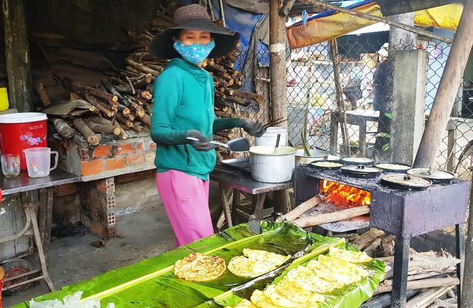 Nức tiếng bánh xèo Quảng Ngãi - Ảnh 1.
