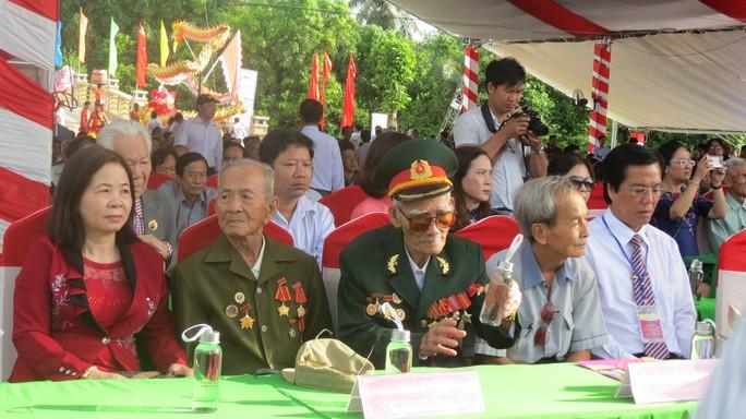 Khánh thành Tượng đài sự kiện tập kết 1954 tại Đồng Tháp - Ảnh 4.
