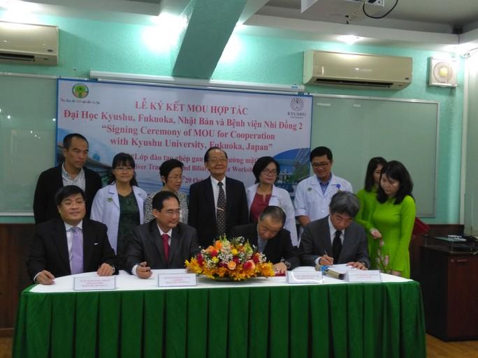 Việt Nam và Nhật Bản hợp tác đào tạo ghép gan trẻ em - Ảnh 1.