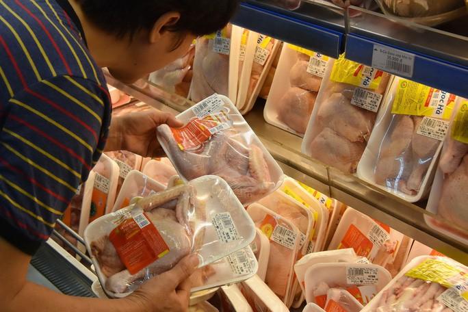 Thịt gà trong nước liên tục rớt giá, gà Mỹ nhập khẩu 19.800 đồng/kg - Ảnh 1.