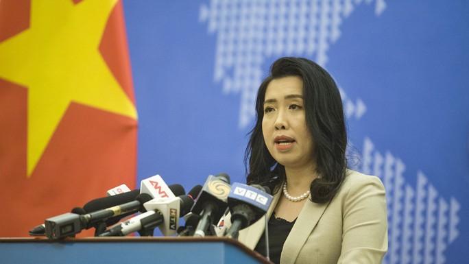Người phát ngôn lên tiếng về thông tin tàu Trung Quốc từ chối cứu hộ tàu cá Việt Nam ở Hoàng Sa - Ảnh 1.