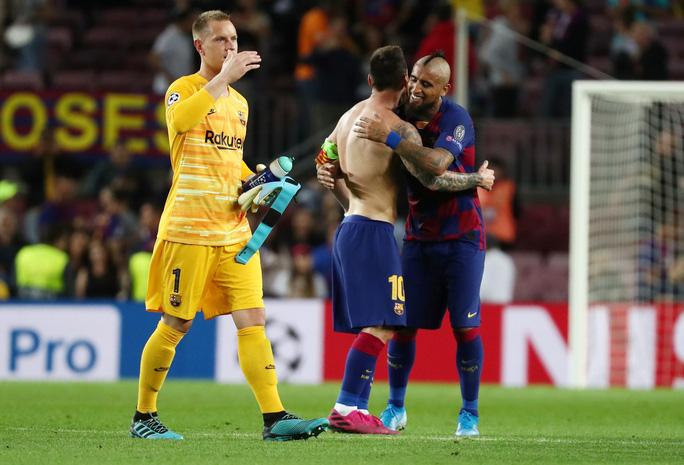 Luis Suarez lập siêu phẩm, Barcelona quật ngã Inter Milan ở Nou Camp - Ảnh 8.