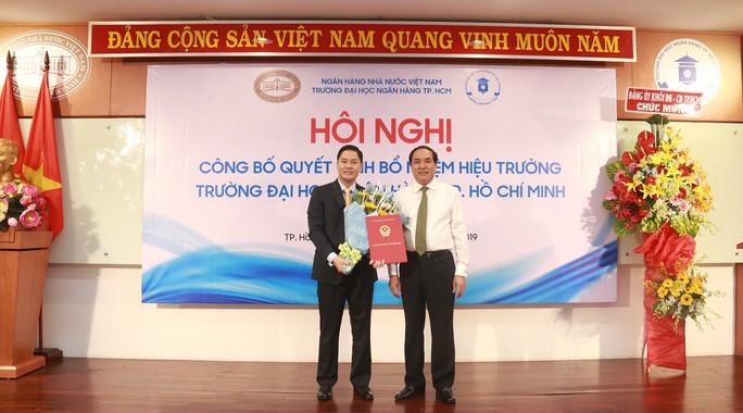 Trường ĐH Ngân hàng TP HCM có tân hiệu trưởng - Ảnh 1.
