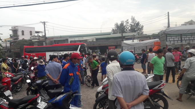 TP Biên Hòa: Xe ben cán ngang người 1 em học sinh rồi bỏ chạy - Ảnh 1.