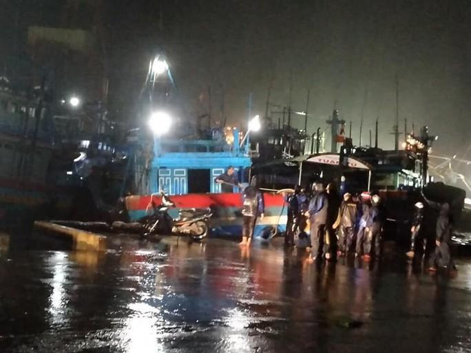 Bão số 5 đổ bộ vào Bình Định, Phú Yên - Ảnh 4.