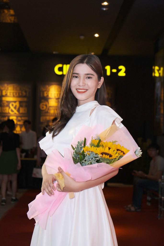 Dương Cường, Thái Ngân đẹp đôi trên thảm đỏ - Ảnh 5.