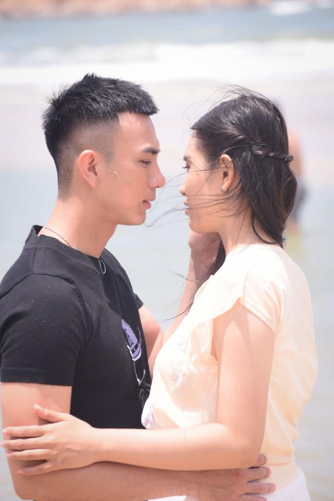 Dương Cường, Thái Ngân đẹp đôi trên thảm đỏ - Ảnh 3.
