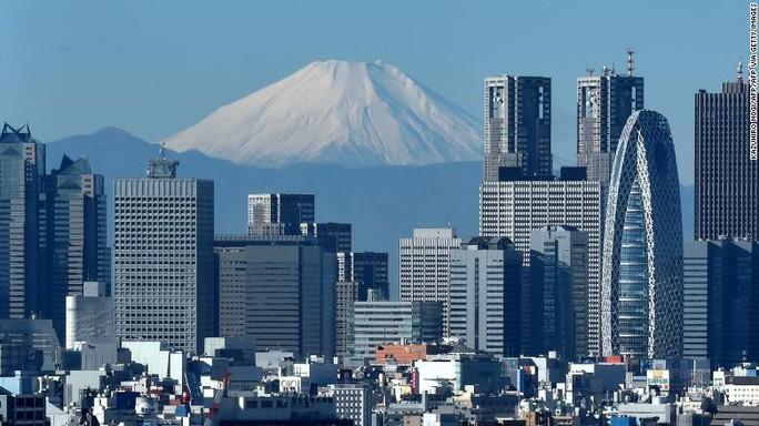 Vừa leo núi Phú Sĩ vừa livestream, người đàn ông chết thảm - Ảnh 2.