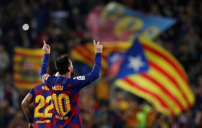 Messi loại đội bóng của Ronaldo, Barcelona tái chiếm La Liga - Ảnh 7.