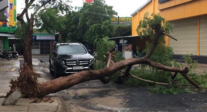 Phú Yên: Một người chết trong đêm bão - Ảnh 4.