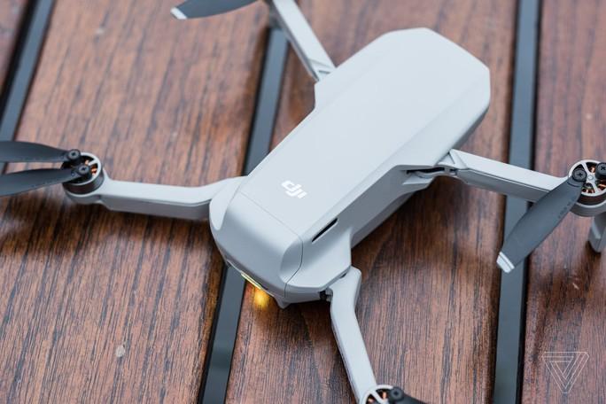 """Mỹ cấm bay toàn bộ UAV """"phi khẩn cấp"""" của Trung Quốc, DJI phản ứng - Ảnh 1."""