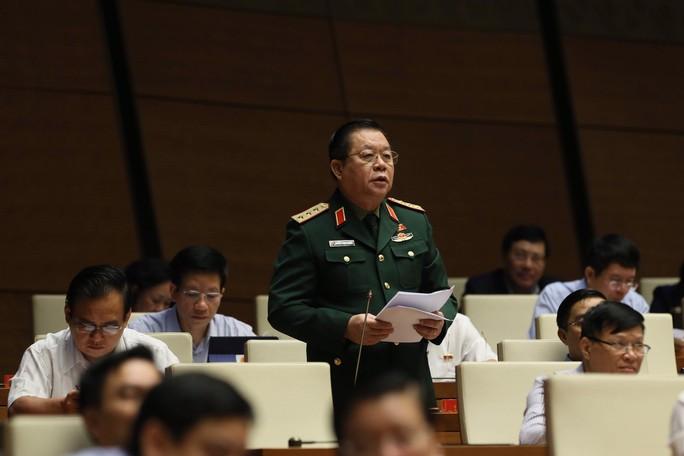 Thượng tướng Nguyễn Trọng Nghĩa: Bảo vệ chủ quyền phải có sách lược phù hợp trong từng tình huống - Ảnh 1.