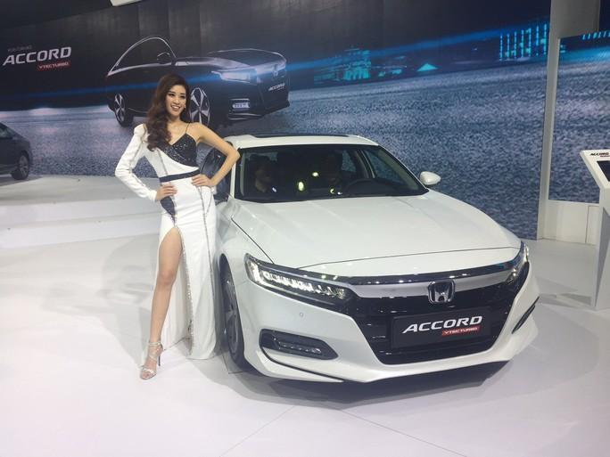 Ôtô giảm giá 200-300 triệu đồng không còn là chuyện hiếm - Ảnh 1.