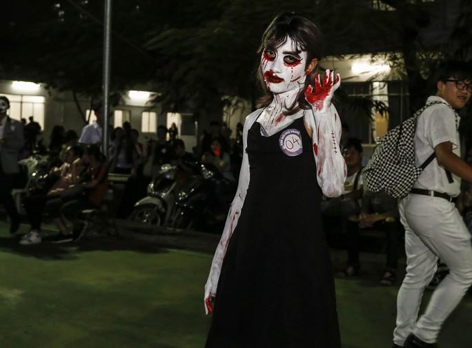 Giới trẻ TP HCM với những sắc thái mùa Halloween - Ảnh 12.