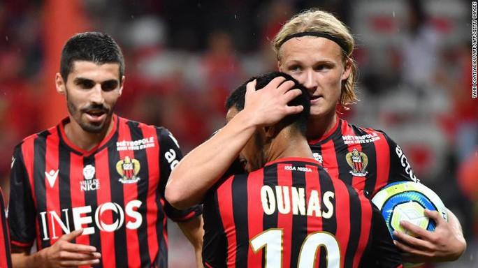 Cầu thủ trẻ bị sa thải vì trộm đồng hồ của đồng đội - Ảnh 3.