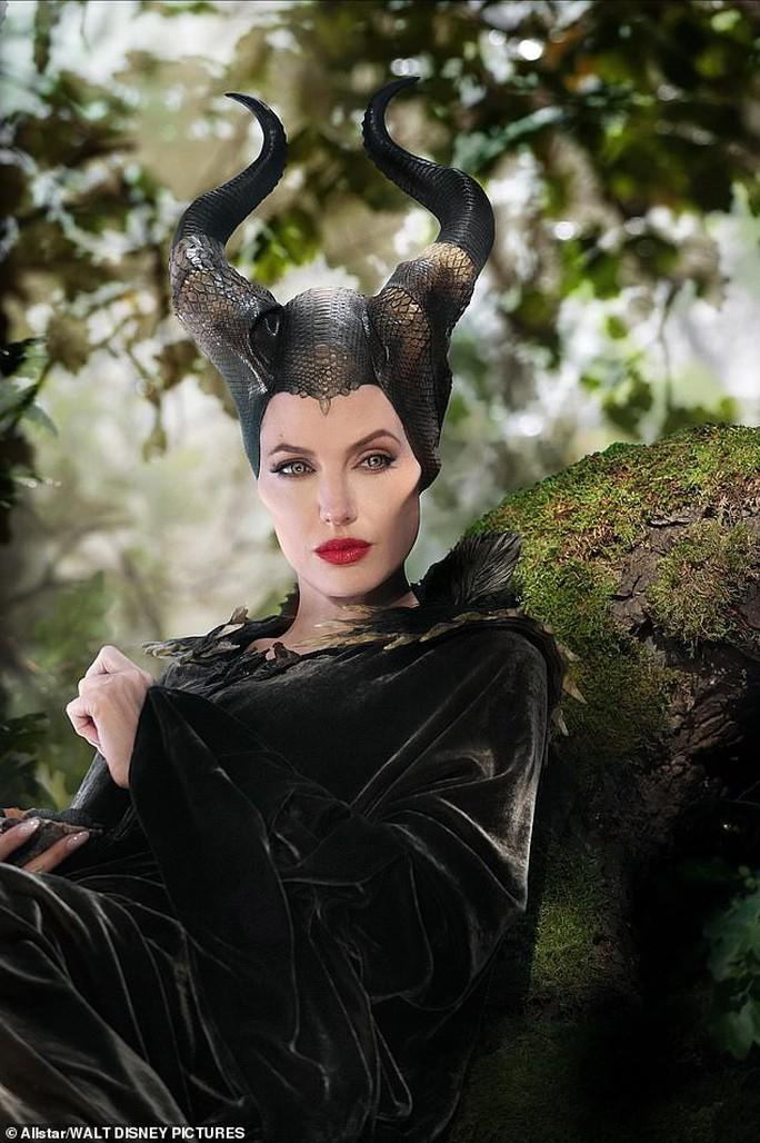 Angelina Jolie cùng 2 con nuôi ra mắt phim ở Nhật Bản - Ảnh 6.