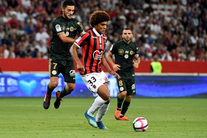 Cầu thủ trẻ bị sa thải vì trộm đồng hồ của đồng đội - Ảnh 4.