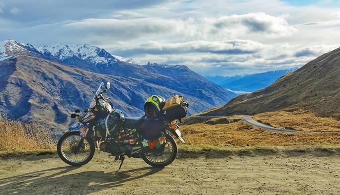 Thủ tục du lịch nước ngoài bằng xe máy - Ảnh 2.