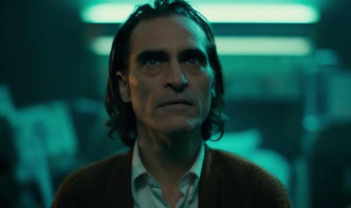 """Bất chấp tranh cãi, """"Joker"""" vẫn hốt bạc phòng vé - Ảnh 3."""