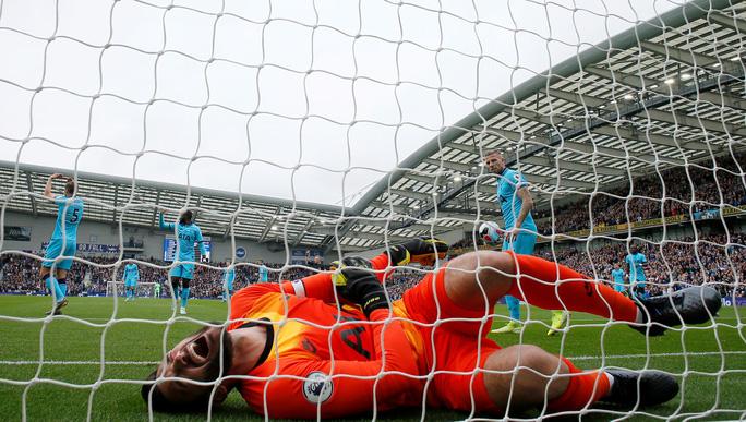 Thua trắng Brighton 0-3, Tottenham nỗi buồn chồng chất - Ảnh 3.