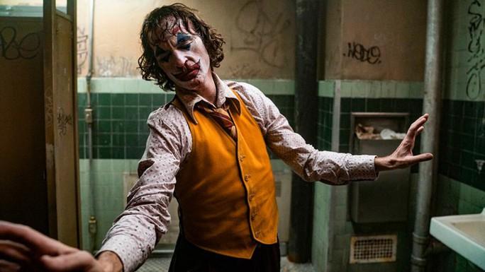 """Bất chấp tranh cãi, """"Joker"""" vẫn hốt bạc phòng vé - Ảnh 5."""