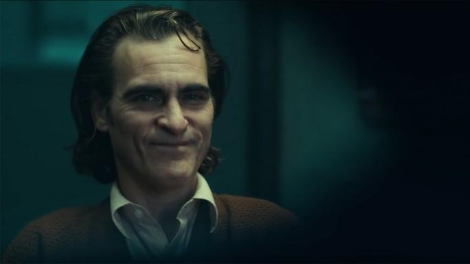 """Bất chấp tranh cãi, """"Joker"""" vẫn hốt bạc phòng vé - Ảnh 1."""