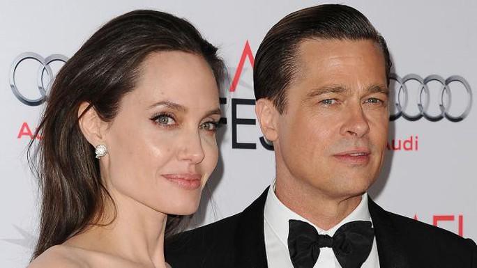 Angelina Jolie trải lòng về nỗi đau ly hôn Brad Pitt - Ảnh 2.