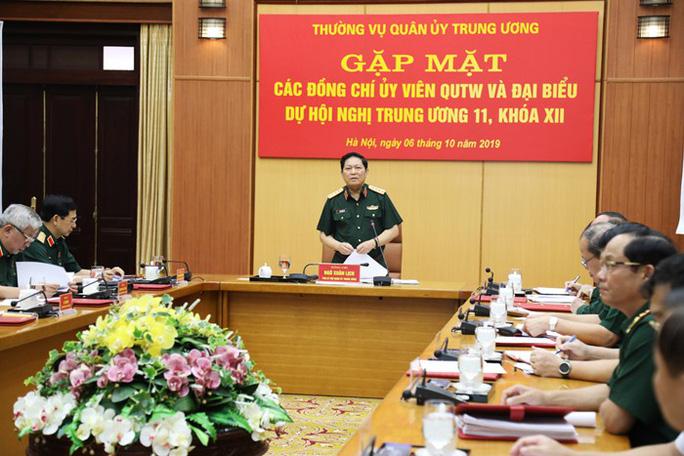 Quân ủy Trung ương gặp mặt các Ủy viên Quân ủy Trung ương, đại biểu dự Hội nghị Trung ương 11 - Ảnh 1.