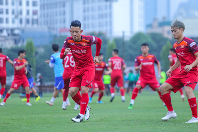 Cận cảnh buổi tập nghiêm túc song thoải mái của đội tuyển bóng đá Việt Nam - Ảnh 15.
