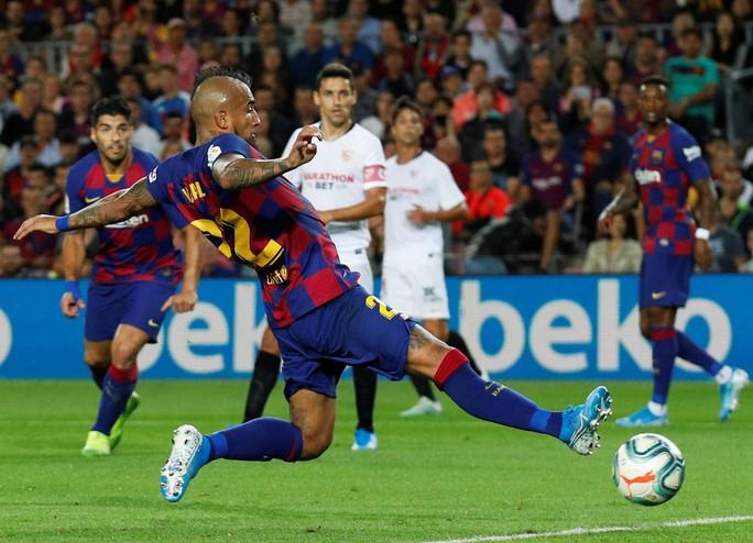 Bộ ba MSD tỏa sáng, Barcelona hạ gục Sevilla bằng loạt siêu phẩm - Ảnh 5.