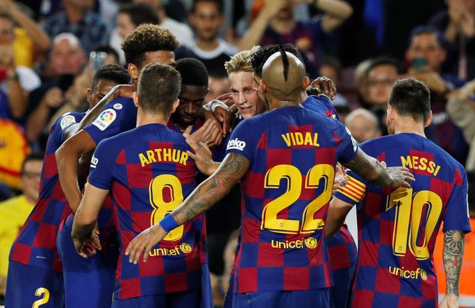 Bộ ba MSD tỏa sáng, Barcelona hạ gục Sevilla bằng loạt siêu phẩm - Ảnh 7.