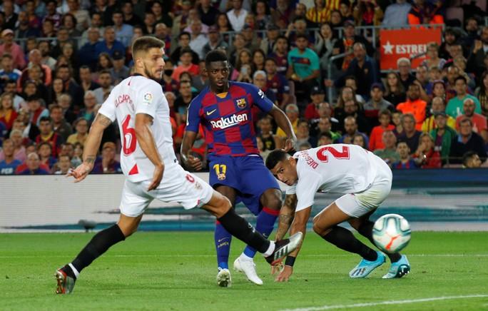 Bộ ba MSD tỏa sáng, Barcelona hạ gục Sevilla bằng loạt siêu phẩm - Ảnh 2.