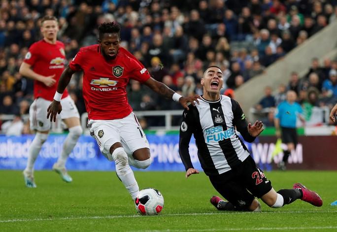 Man United gục ngã trước Newcastle - Ảnh 2.