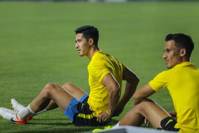 Đội tuyển Malaysia giấu bài trong buổi tập đầu tiên tại Việt Nam - Ảnh 2.